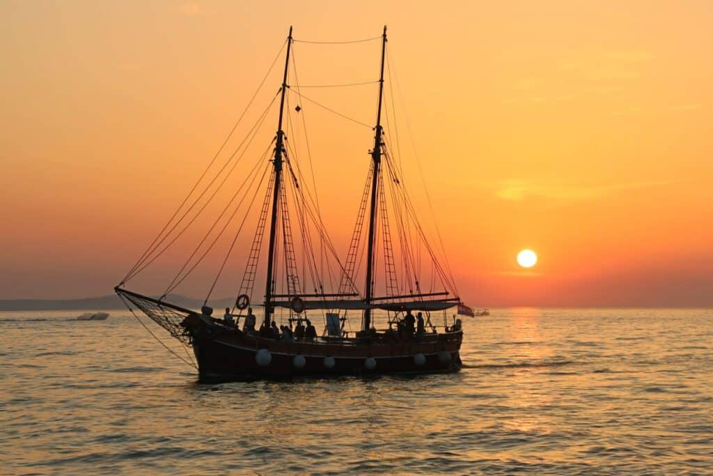 bateau capitaine équipage
